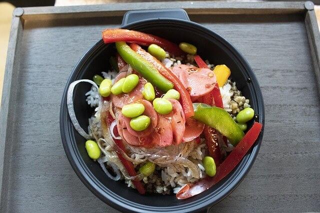 ひじきご飯 サラダ